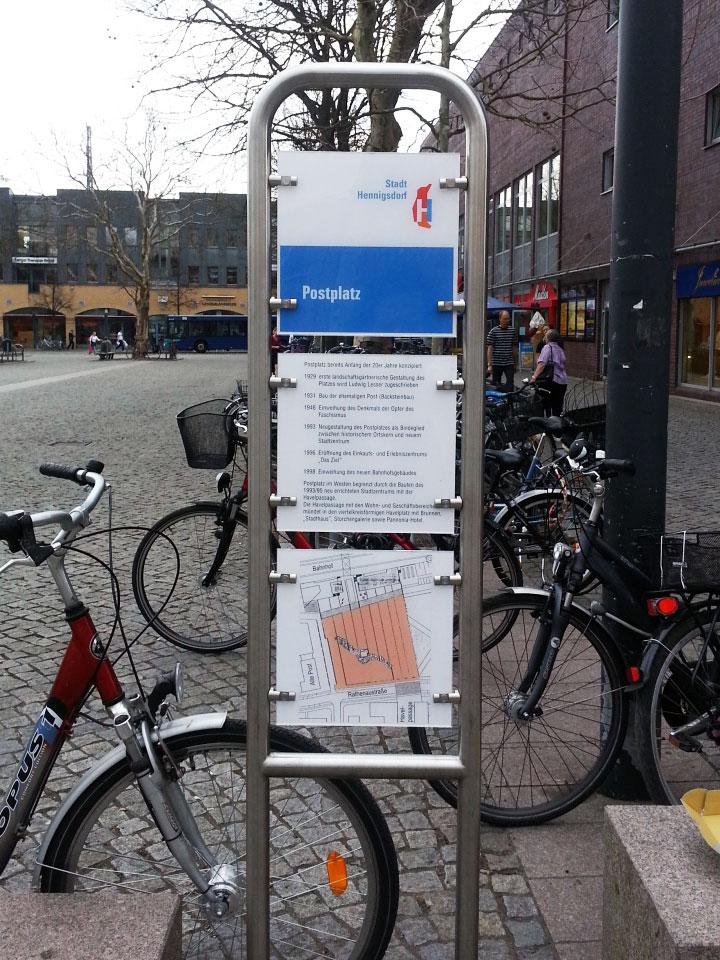 Wegeleitsysteme Edelstahl Aufsteller Postplatz Hennigsdorf