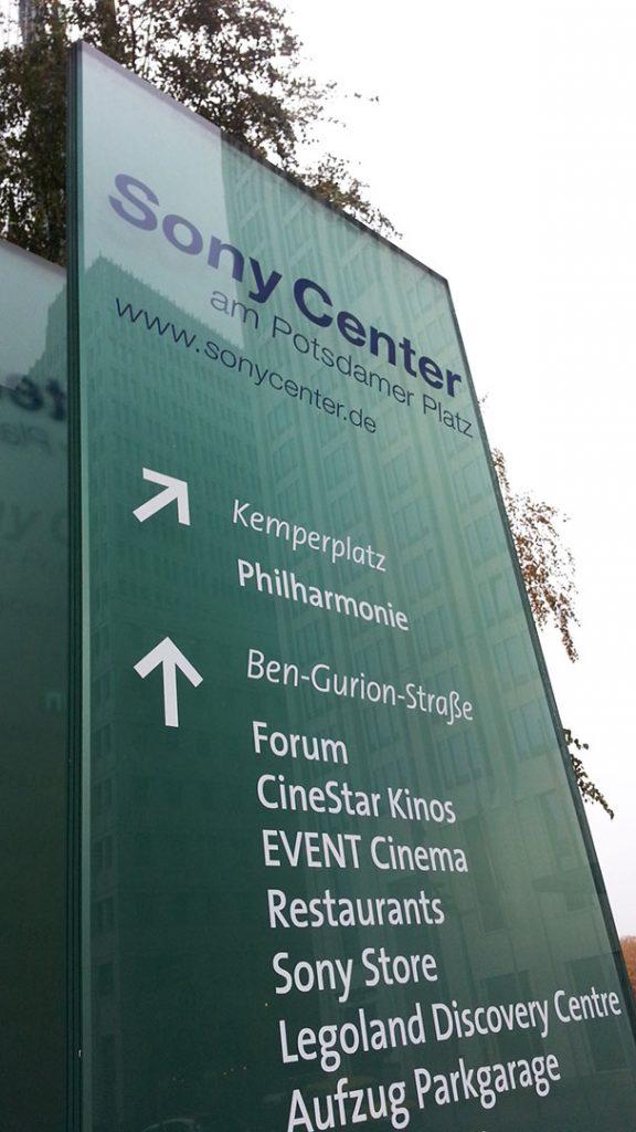 Wegeleitsysteme Folienbeschriftung Sony Center